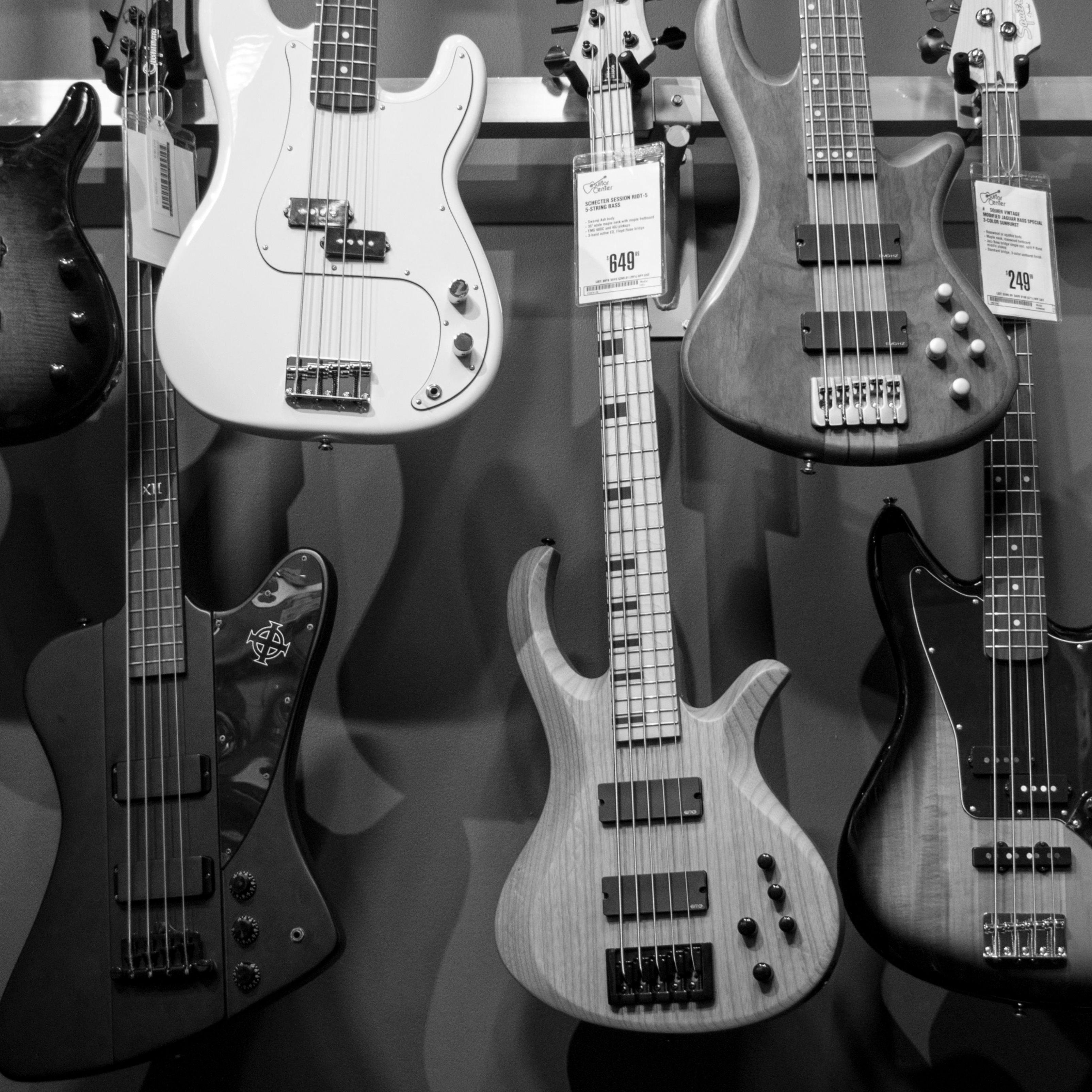 gray guitar ipad wallpaper
