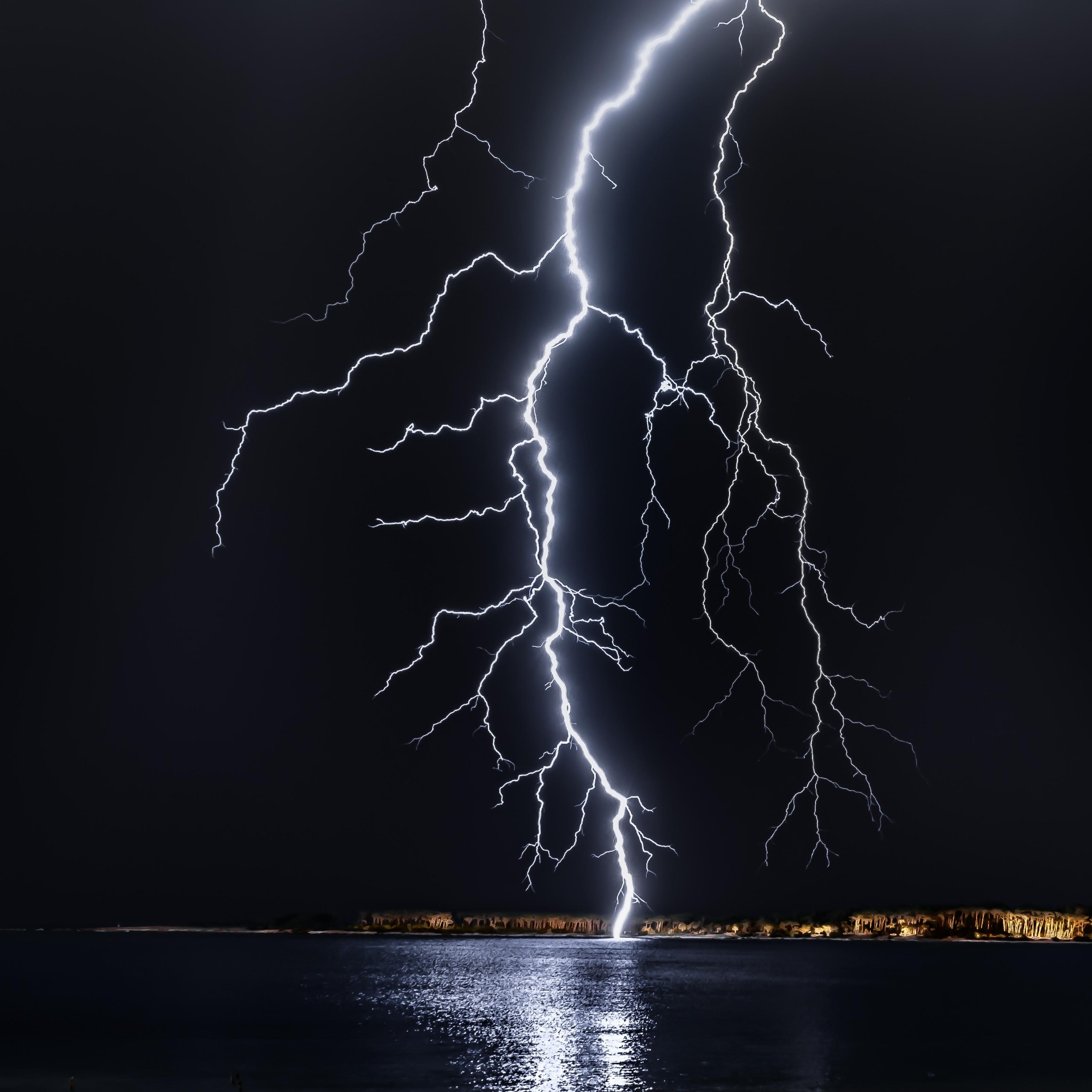 Lightning Night Dark Cool iPad Wallpaper